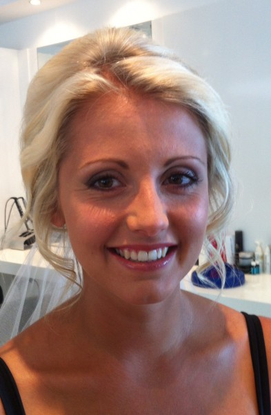 Natural bridal make-up using Mac & Bobbi Brown