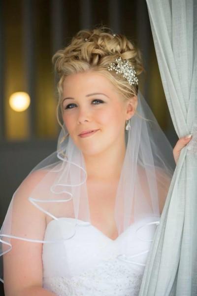 Natural bridal make-up