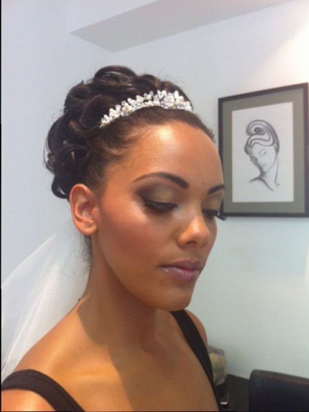 Full Mac bridal make-up