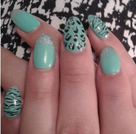 mint nails with hand painted design